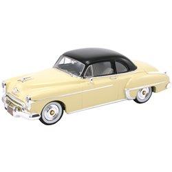 1950 Oldsmobile 88 Club Coupe (Cream)