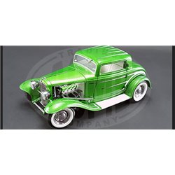 1932 Ford 5-Window Coupe (Green)