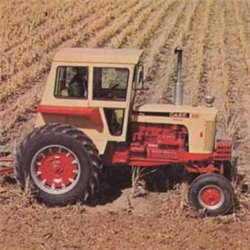 Case 1030 Tractor w/Cab & Wide Front End
