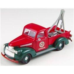 """1941 Chevrolet Wrecker Truck """"Sinclair Towing"""""""