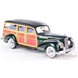 1941 Packard One Twenty Woody Wagon (Green Metallic)